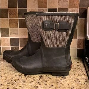 Chooka black and grey rain boots
